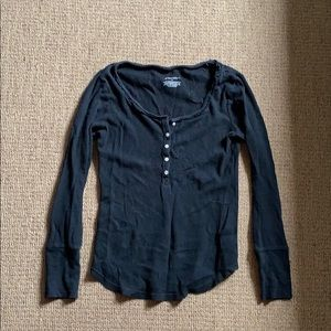 Black scoop neck long sleeve with buttons